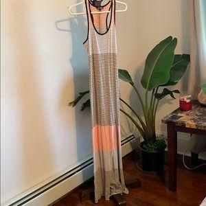 🌿☘️Express beach long dress size XS☘️🌿